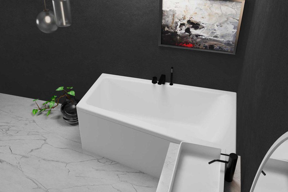 Nemo 160 hvit matt (høyre). Mørk vegg og lyst marmor gulv. Hvit servant med svarte armaturer.